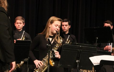 Sophomore Sydney Dose plays during a jazz concert. The first Jazz Band concert of the 2018-2019 school year is Sept. 26 in the LSW commons at 7:00  pm.