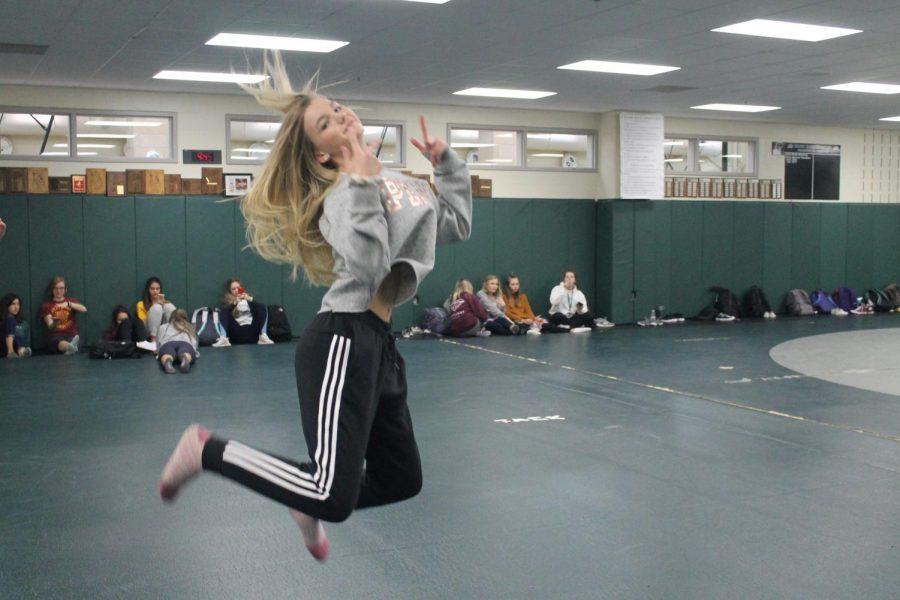 Freshman+Jena+Kirstine+performs+her+routine+in+Dance+101.+