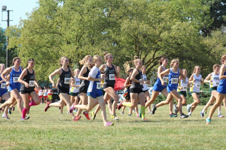 LSW+JV+girls+begin+their+race+at+Pioneers+Park+on+Sept.+19.+They+race+again+at+Pioneers+Park+at+the+North+Star+Invite+on+Sept.+26.+